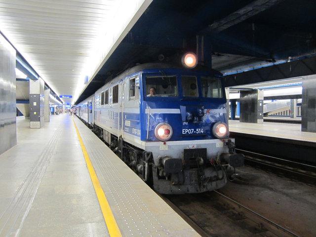 ワルシャワ 長距離列車 (1)