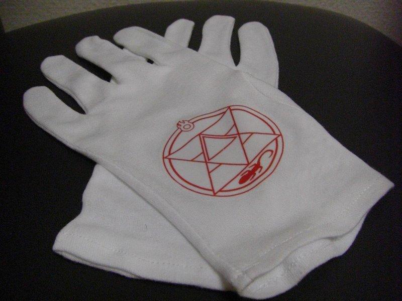 CIMG1296 練成陣入り手袋 「小倉コミックライブ137」にてご購入頂きました。 あ...