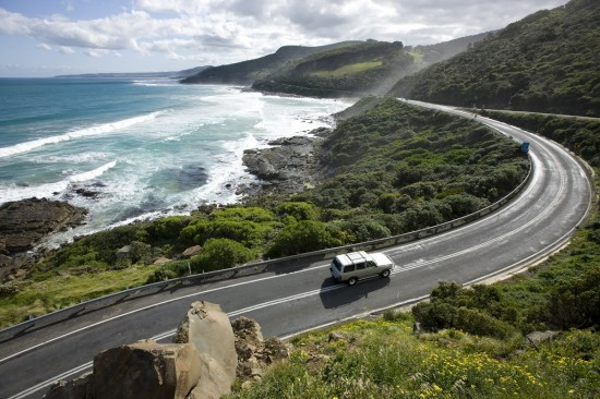 great-ocean-road-australia-550x366