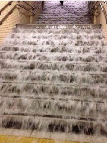 階段水浸し