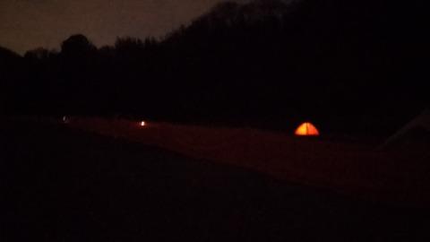 テントと夜