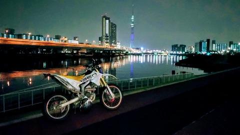 隅田川 東京スカイツリー WR250R