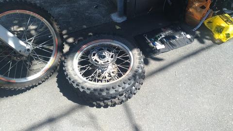 【タイヤ交換】久しぶりにオフロードバイクのタイヤ交換をしてみて気づいた便利な道具