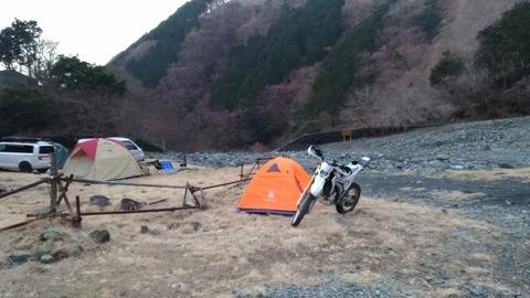 WR250Rとテント