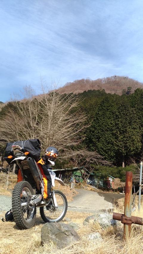 WR250Rと山の写真