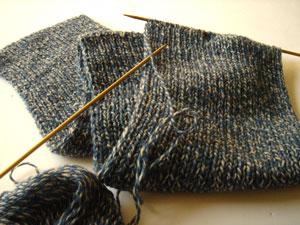 やっぱり冬は手編みのマフラーがあったかい♡編み方&アイデア