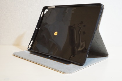 iPadiPad スマイルケース10