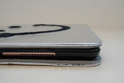 iPadiPad スマイルケース32