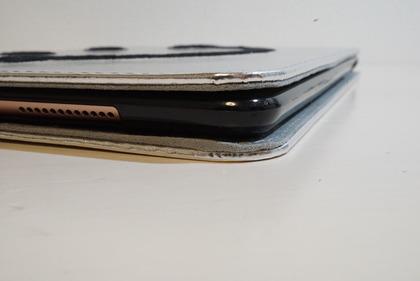 iPadiPad スマイルケース23