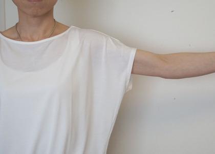 ユニクロ ドレープクルーTシャツ (8)-R
