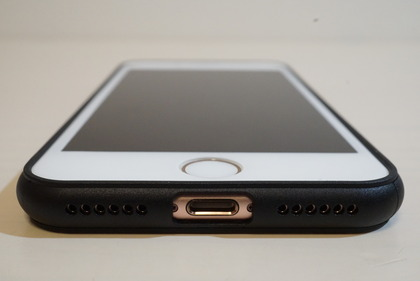 マリリン似iPhoneケース17