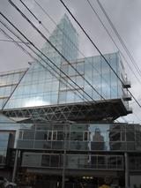 ガラスのビル