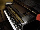 古いグランドピアノ08.05.24.jpg
