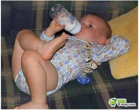 大物の風格! ふてぶてしすぎる赤ちゃんが激写される