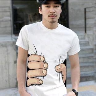 【ファッション】鷲摑みされるTシャツ