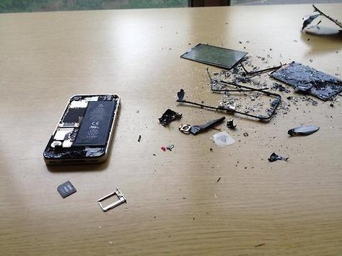 【iPhone】ホームボタンの効きが悪いのでiPhone分解した