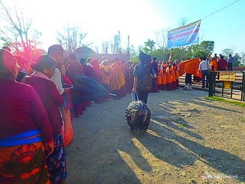 ネパールのルンビニからインドのゴーラクプルへ陸路での国境越え