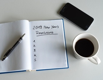 2019-List-New-Years-Day-Resolutions-Paper-3889951