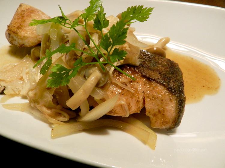 ふんわりぷっくりの美味しそう〜な身の秋鮭が頻繁に見受けられるので、