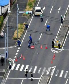 女児2人はねられ1人死亡「ぼーっとしていた」運転手の男を逮捕