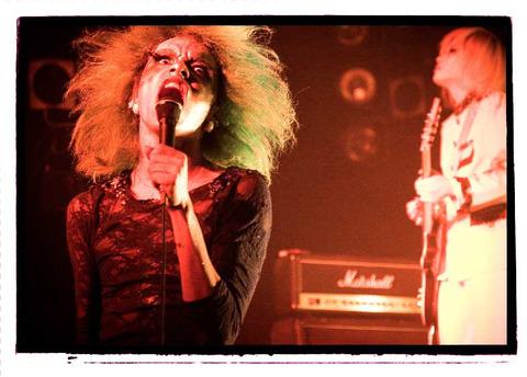 女王蜂 (バンド)の画像 p1_21
