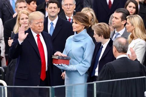トランプ大統領 就任式