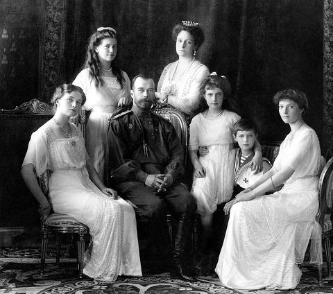 ロシア ニコライ2世とその家族