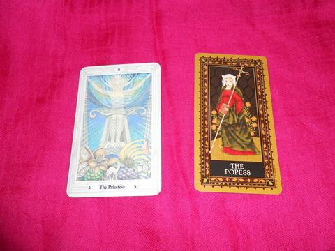 タロットカード「女教皇」