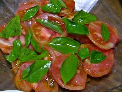 トマトとバジルのオリーブオイルかけ