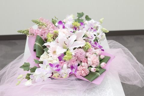 pinkflower-onthecoffin01