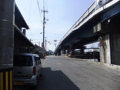 竹原駅近くの高架下