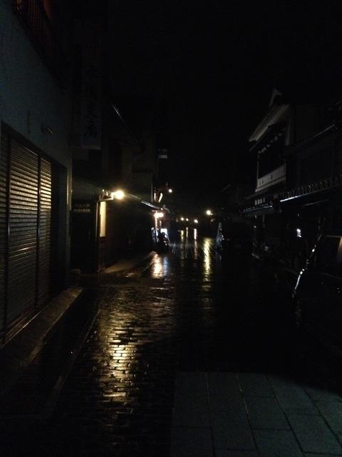 09町並み保存区雨の夜