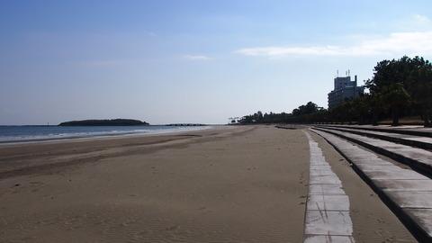 パームビーチホテル前に戻る