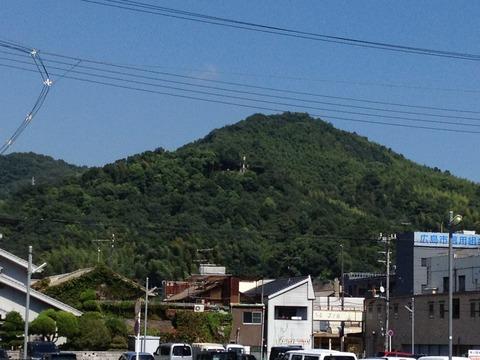 市街地から見た鎮海山