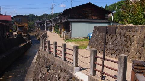 02江名子川沿い