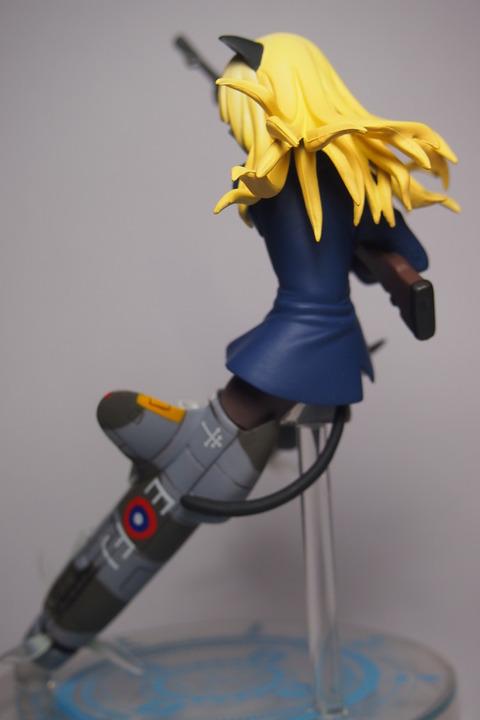 ペリーヌフィギュアex版5