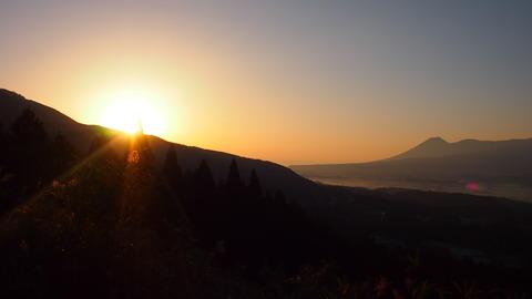 加久藤峠の朝陽