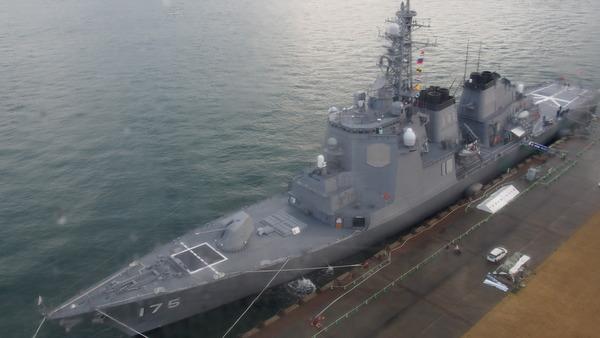 護衛艦みょうこうin下関(E-PL6) (105)