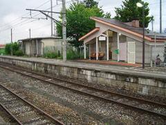 信濃木崎駅駅舎(ホーム側)