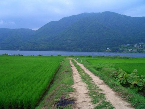 海ノ口駅から木崎湖を望む