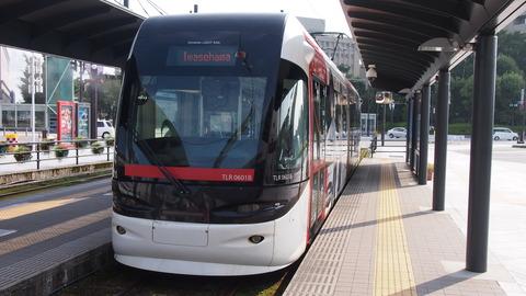 11鉄道むすめ巡りラッピング電車(赤)