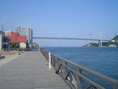 姉妹都市広場から関門橋