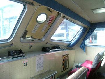 関西汽船「しいがる」客室
