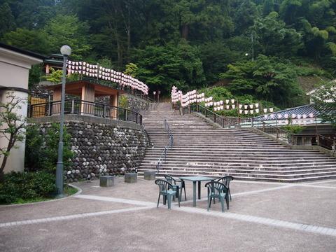 33湯涌温泉野外ステージ広場