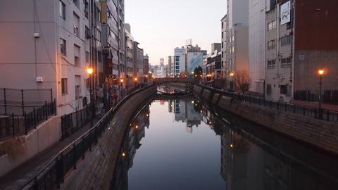 24ホテル側の運河