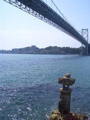 和布刈神社から関門海峡を望む