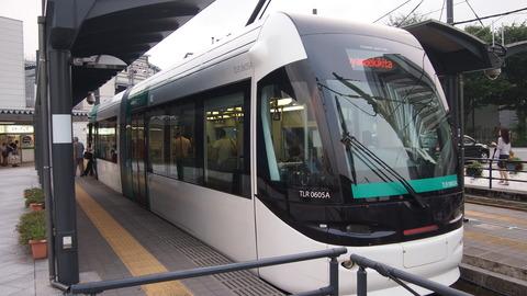 02通常塗装ポートラム(富山駅北駅)