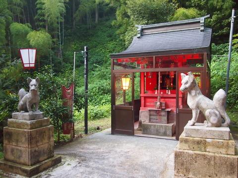 12湯涌稲荷神社