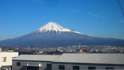 31東海道線車内から見た富士山