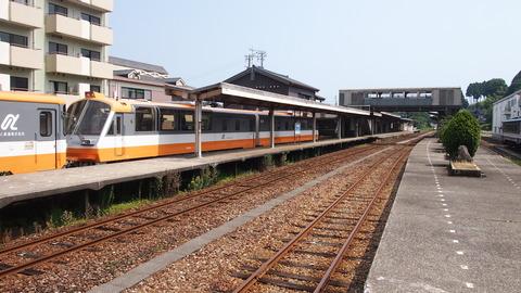 12旧塗装列車